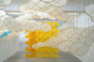 Jacob Hashimoto, The Other Sun, 2012, bamboo, paper, dacron, acrylic, Courtesy the artist and Ronchini Gallery, Photo Michele Sereni