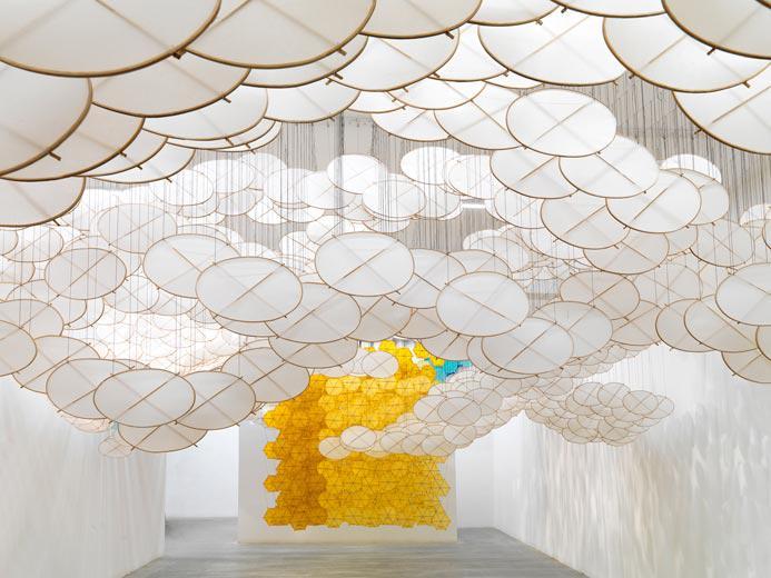 Jacob Hashimoto, The Other Sun, bamboo, paper, dacron, acrylic, Courtesy the artist and Ronchini Gallery, photo Michele Sereni