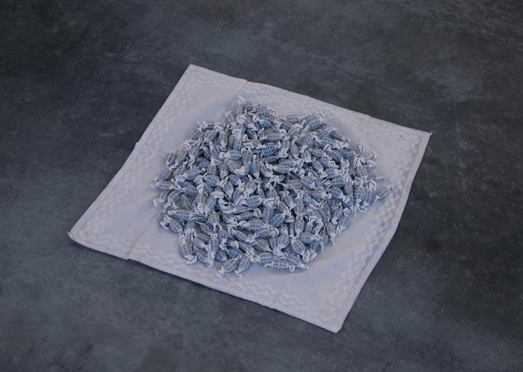 Felix Gonzalez Torres, Untitled (Throat), 1991