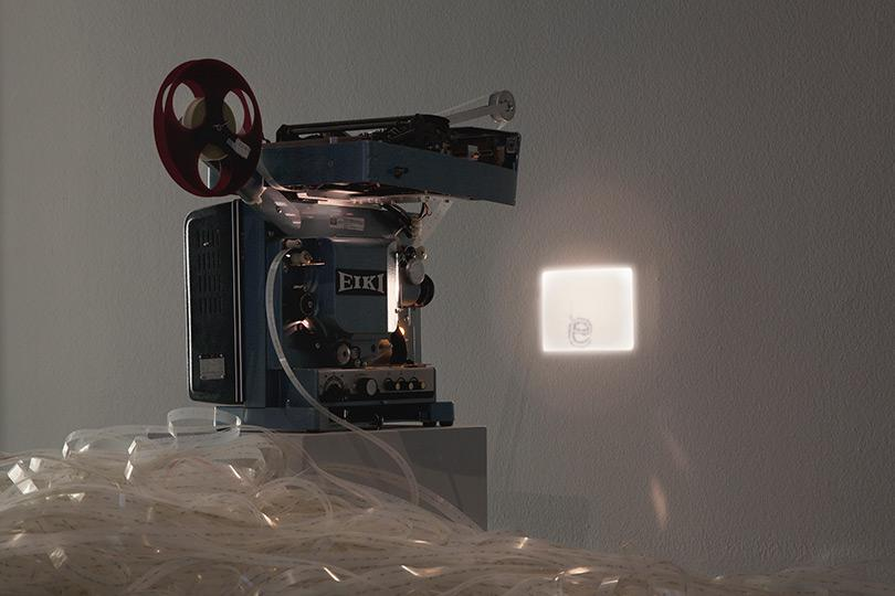 Rosa Barba Space Length Thought, 2012 16mm film, projector, typewriter 2000px