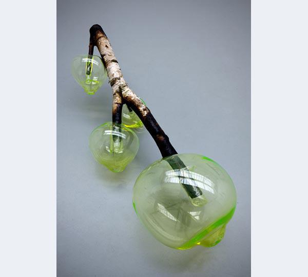 Roosen, Blow, 2010, berkenhout, glas, 35x106x30 cm