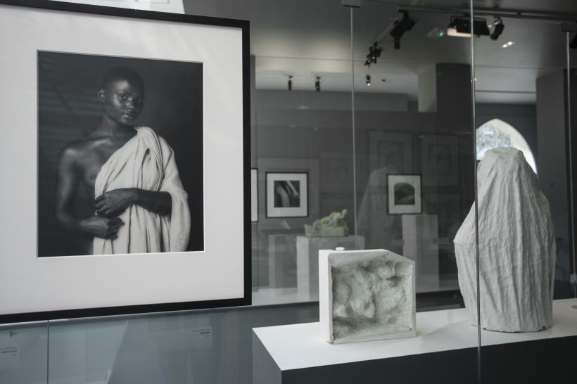 Exhibition view Mapplethorpe Rodin- au musée Rodin copyright musée Rodin (photo Jerome Manoukian)