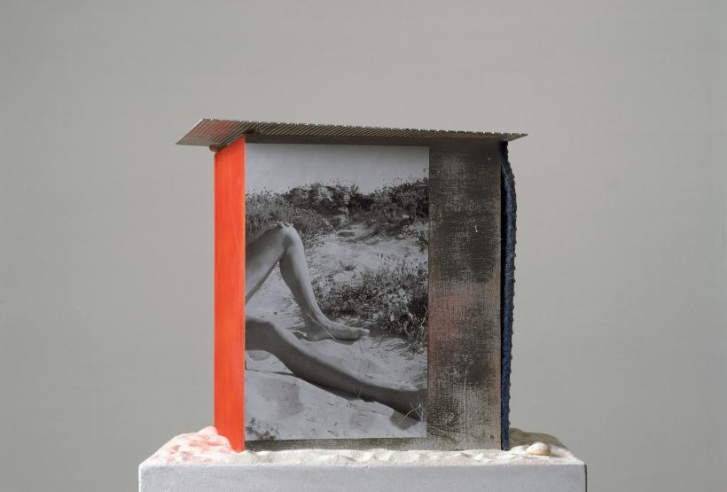 Isa Genzken, Strandhäuser zum Umziehen (Detail), 2000, Courtesy Sammlung FRAC Nord-Pas de Calais, Dunkerque and Galerie Buchholz, Berlin/Cologne
