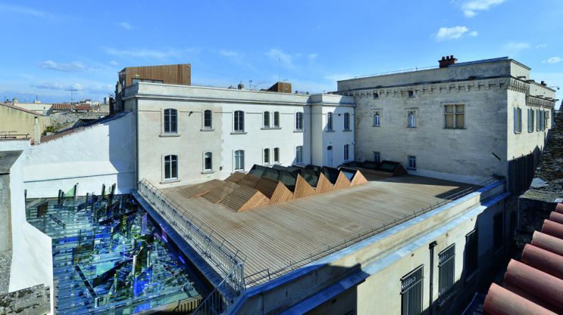 Raphael Hefti, Violet Blue House green yellow orange red, Terrace view: Van Gogh Live! (2014)