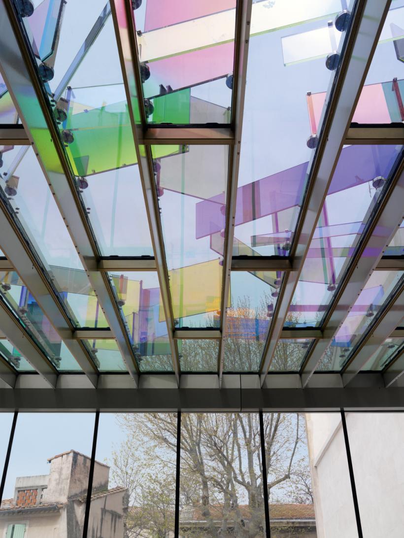 Raphael Hefti, Violet Blue House green yellow orange red, Installation view: Van Gogh Live! (2014)