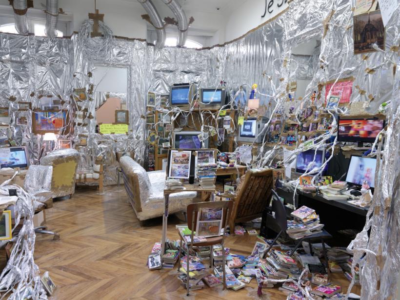 Thomas Hirschhorn, Van Gogh Indoor Altar, Installation view: Van Gogh Live! (2014)