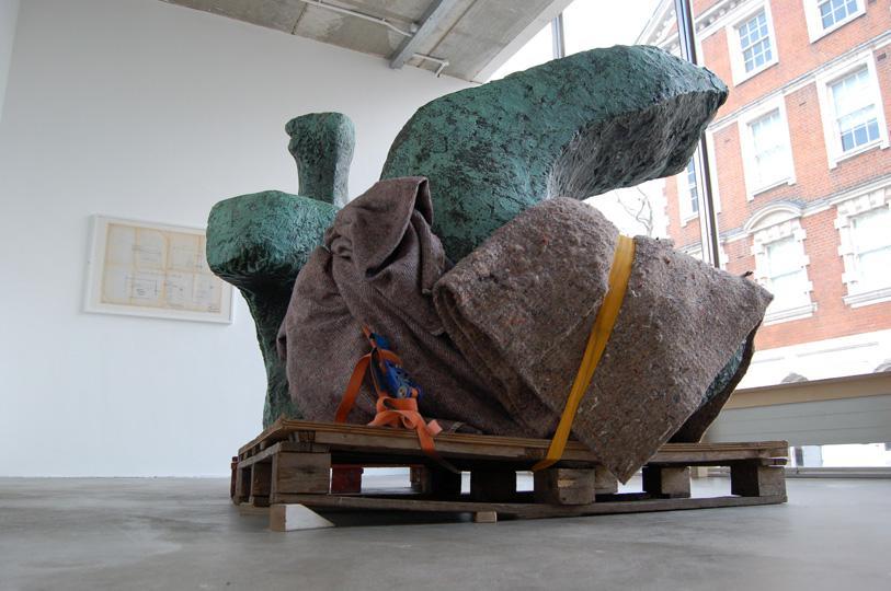 20 sculpture blankets, webbing, pallets