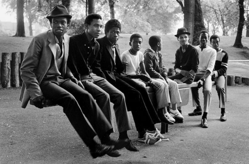 Vanley Burke, Young men on a see-saw, Handsworth Park, 1984