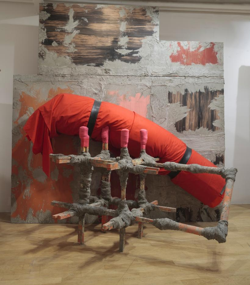 Phyllida Barlow, untitled: contraption, 2015, Installation view: set, The Fruitmarket Gallery, Edinburgh, 2015