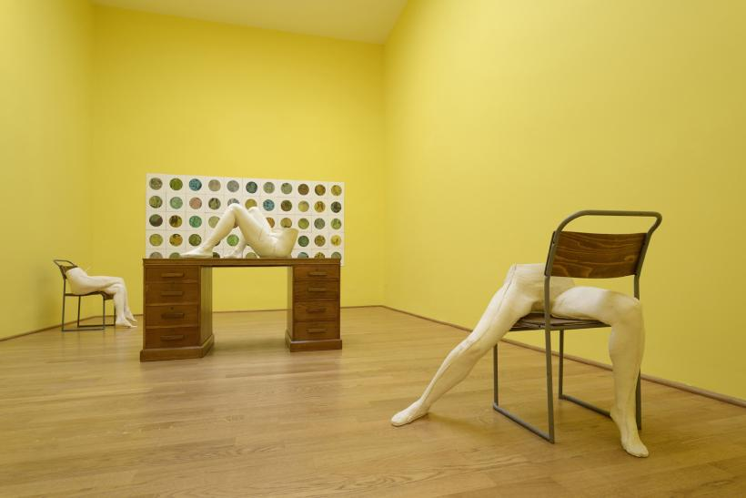 Sarah Lucas, I SCREAM DADDIO, Installation View, British Pavilion 2015