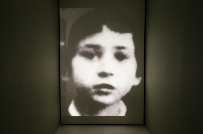 Christian Boltanski, Heartbeats, installation view at Baró Galeria, 2015