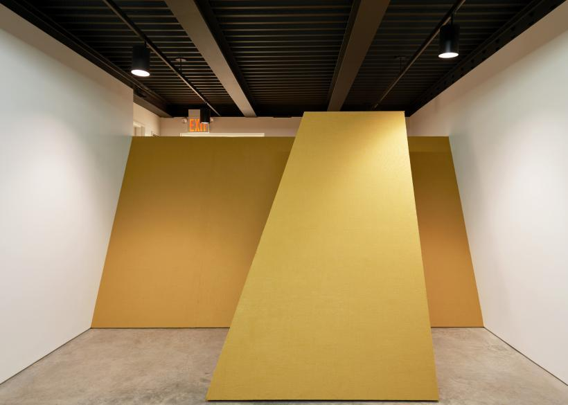 Gabriel Sierra, Untitled (o(op(ope(open)pen)en)n), installation view, Gabriel Sierra: Numbers in a Room, SculptureCenter, 2015. MDF and burlap. Dimensions variable. Courtesy the artist and kurimanzutto, Mexico City. Photo: Kyle Knodell