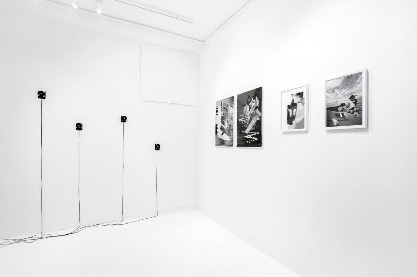 The same horizon repeated at every moment of the walk, Installation View