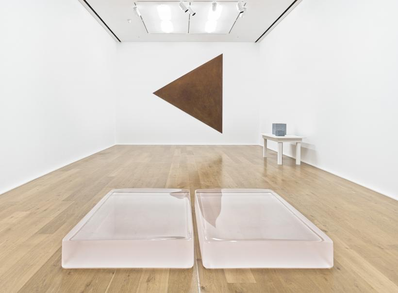 Installation view, Maisons Fragiles, Hauser & Wirth London, 2015