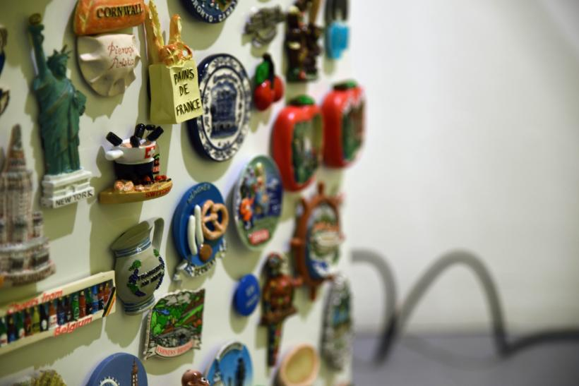 Rosalie Schweizer, the migrant workers fridge magnet collection (detail)