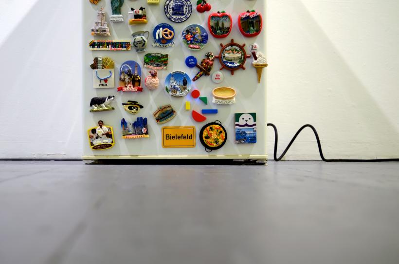 Rosalie Schweizer, the migrant workers fridge magnet collection, installation view at Mission Gallery, 2016