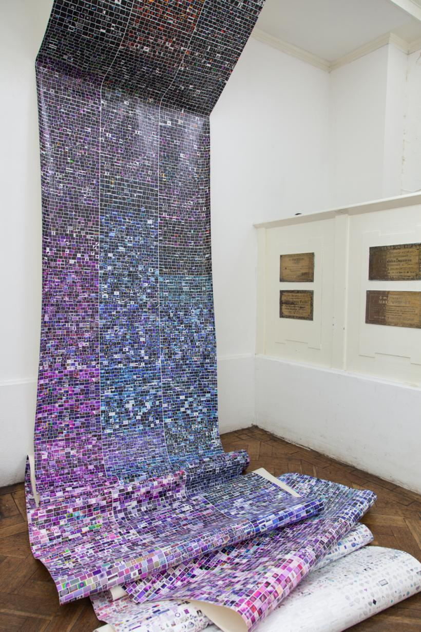 Whisper to me in HTML, Installation View