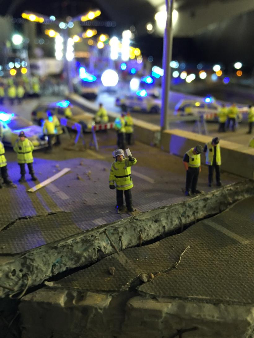 The Aftermath Dislocation Principle, Selfie at Disaster Zone