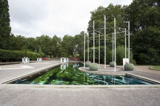 Samara Scott, Developer, 2016. Mixed media site-specific installation at the Pleasure Garden Fountains in Battersea Park, London. Image courtesy Pump House Gallery.