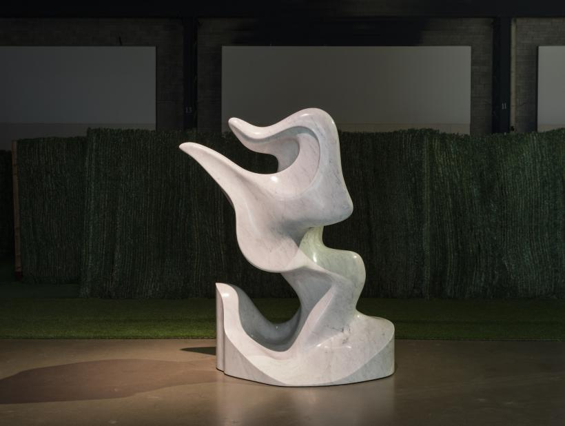 Jon Rafman Alien Letter, 2015 Marbre / Marble 150 x 182 x 130 cm