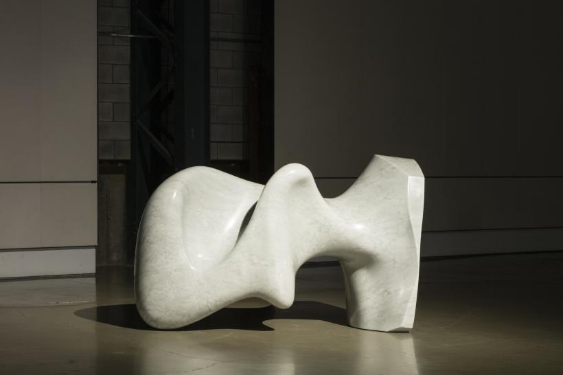 Jon Rafman New Age Demanded (Curveman Carrara), 2015 Marbre / Marble 117 x 178 x 84 cm
