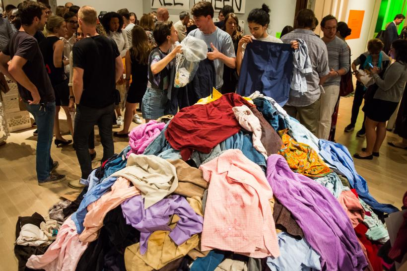Christian Boltanski, Dispersion, 1991-2016, used clothing, bags.