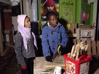 Mark Neville, Arts and Crafts at Somerford Grove Adventure Playground, 2011