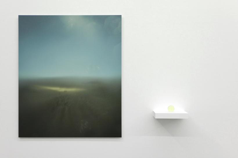 Oscar Santillan Solaris (noon), 2017. Inkjet print on aluminium and lens made from Atacama Desert sand, shelf. Print: 100 x 120cm, Lens: 6.5 x 1cm