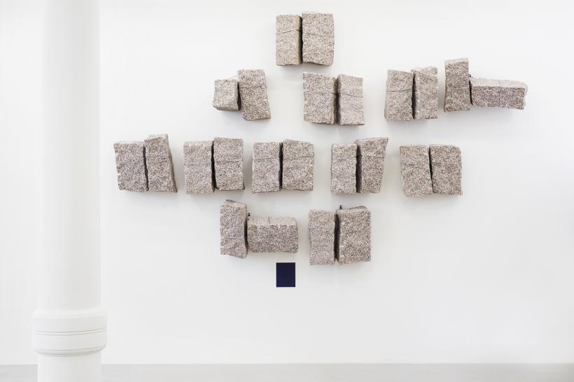 Giovanni Anselmo, Mentre Verso Oltremare Il Colore Solleva La Pietra, 1995 24 granite stones, paint, 58.42 x 30.48 x 25.4 cm
