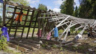 Chto Delat? The New Deadline #17 Summer School of Orientation in Zapatism