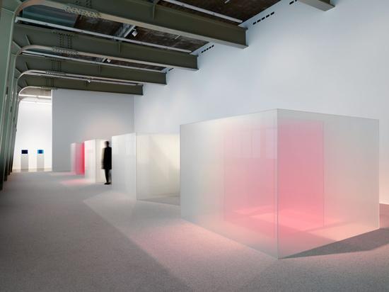 Installation view, 'Larry Bell. Venice Fog: Recent Investigations', Hauser & Wirth Zurich, 2018