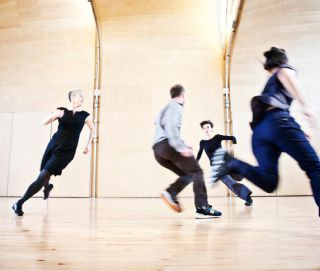 A Series of Appointments  by Siobhan Davies  for ROTOR 2010  photo Pari Naderi (8764)