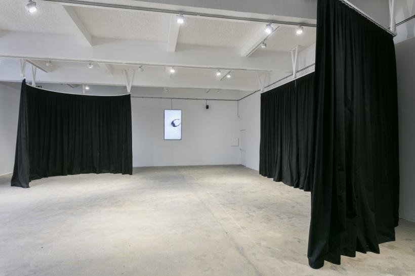 Paul Maheke, A fire circle for a public hearing (2018). Installation view, Chisenhale Gallery, 2018. Produced by Chisenhale Gallery, London. Commissioned by Chisenhale Gallery and Vleeshal Center for Contemporary Art, Middelburg