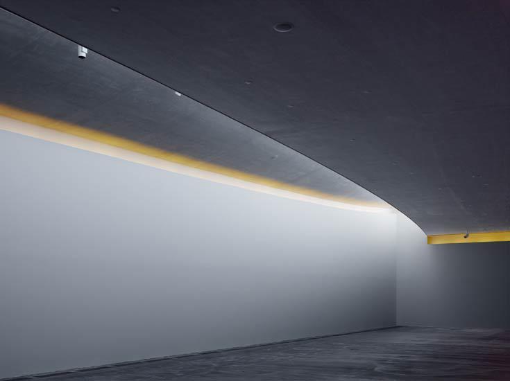 7.09.07.30 Roland Halbe1 002 udstillingssal.tif