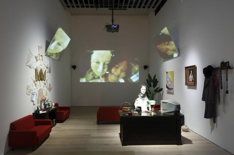 Artificial Lover & True Love, Music: Keiichiro Shibuya Words: Keiichiro Shibuya, Hayashi Chiho Vocal: Hayashi Chiho, Installation view: Roppongi Crossing 2019: Connexions, Mori Art Museum, Tokyo
