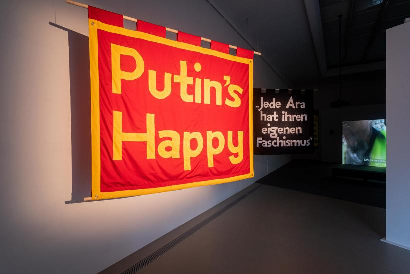 Jeremy Deller, Putin's Happy, 2019, film, Kunstlerhaus, Halle fur Kunst & Medien, photo: Mathias Volzke
