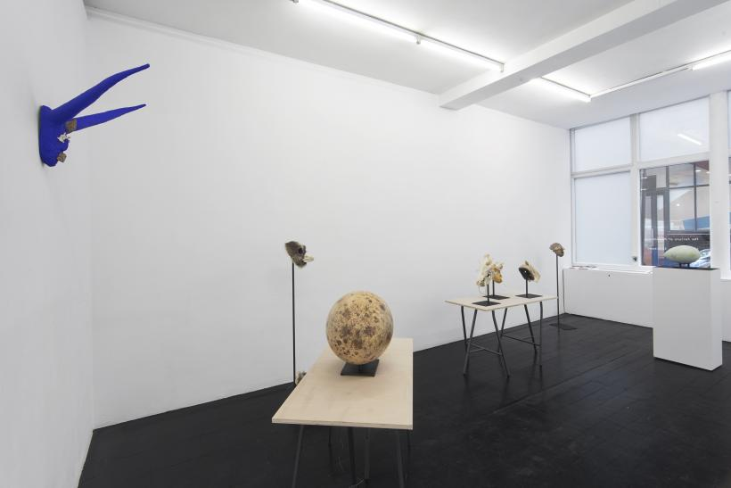 Joanna Rajkowska, The Failure of Mankind, installation view, l'etrangere