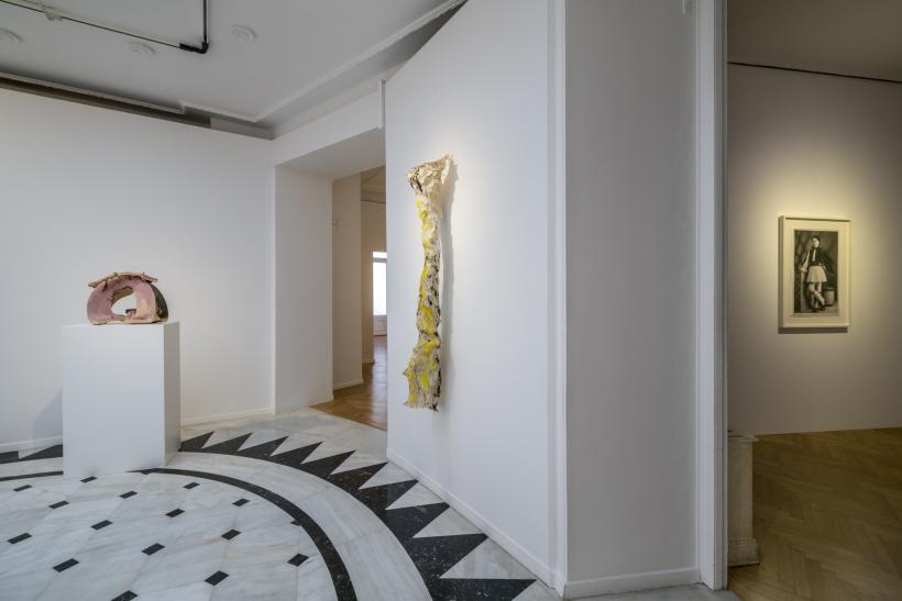 Lynda Benglis: In the Realm of the Senses, Installation view copyright Panos Kokkinias Courtesy NEON