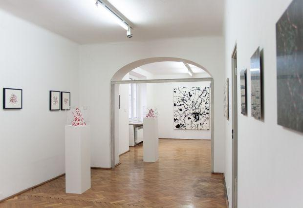 Alicja Gaskon, Dividing Lines, exhibition view, Le Guern Gallery, 2019