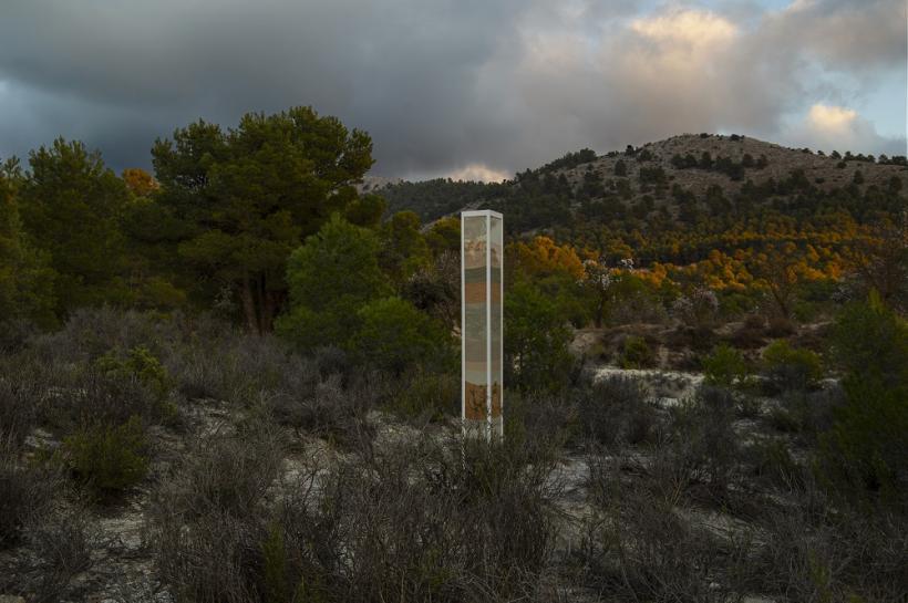 Simon Linington: Bajo la Sierra Larga