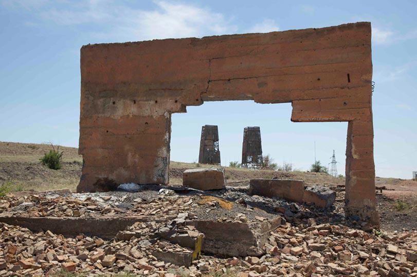 1Desert Mine Desert Ruth Maclennan2011